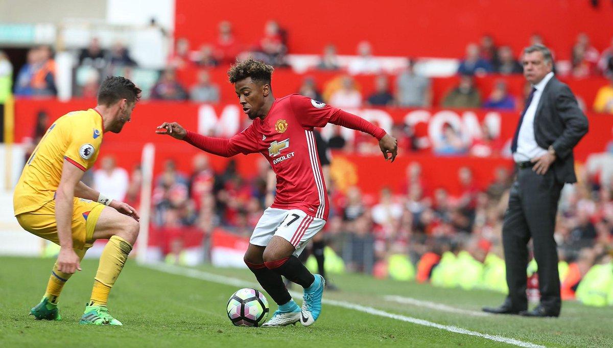 Liga Inggris Bola Simply Basic – Klub Pemain Berita