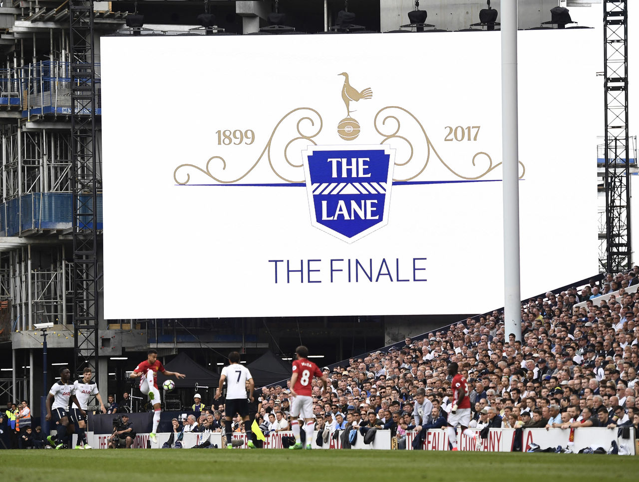 Tottenham Hotspur dengan White Hart Lane